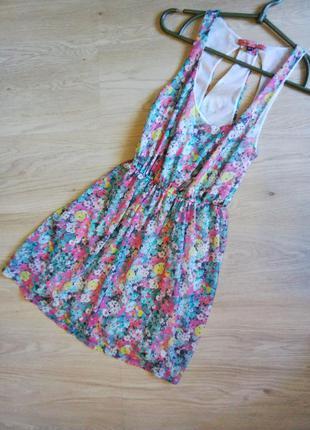Платье bershka с красивой спинкой