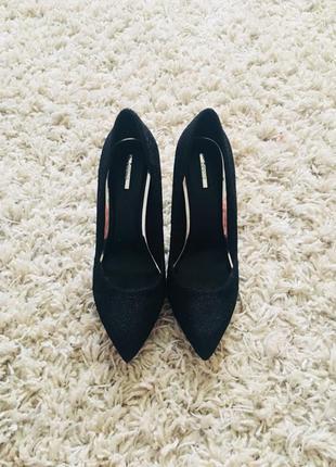 Очень красивые туфли bershka