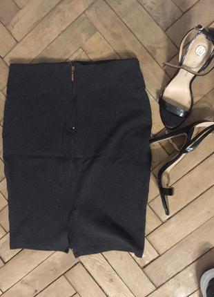 Офисная юбка до колена с молнией сзади zara