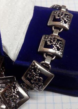 Замечательный серебряный браслет 925 пробы.