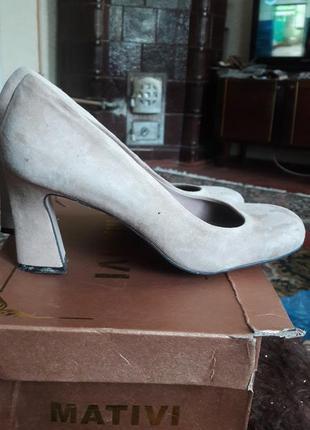 Отличные туфли из натурального замша цвета кофе с молоком