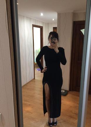 Вечірнє плаття з відкритою спинкою