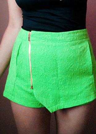 Стильные  салатовые шорты- юбка жаккард river island