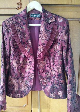 Женский костюм нарядный р 42 пиджак юбка с рюшами