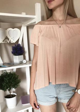 Ніжна блуза кольору пудри з відкритими плечима у квіти 79e0dc1574dd9