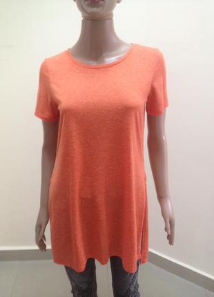Оранжева подовжена футболка з розрізами по боках
