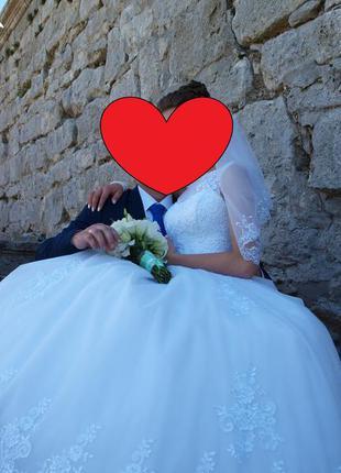 Весільне плаття (пишне і дуже красиве)