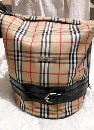 Модная вместительная сумка burberrrys !!! made in england !!!