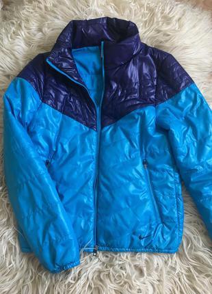 Демисезонная куртка  nike оригинал s