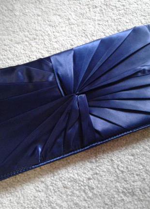 Вечерний клатч красивого синего цвета с переливом babyliss