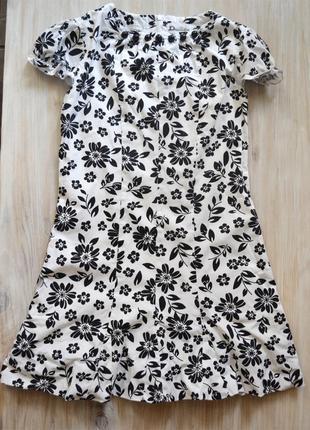 Черно-белое платье из плотного хлопка р.134\140