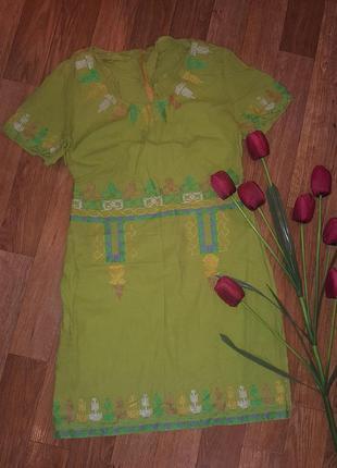 Продам летнее льнянное платье с красивой вышивкой