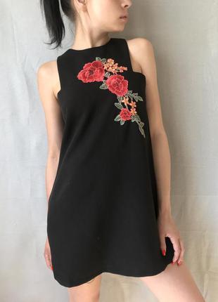 Шикарное чёрное вечернее коктейльное платье с вышивкой boohoo