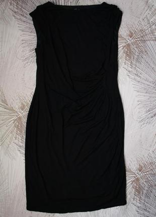 Отличное трикотажное платье  на подкладке с драпировкой на талии m&co