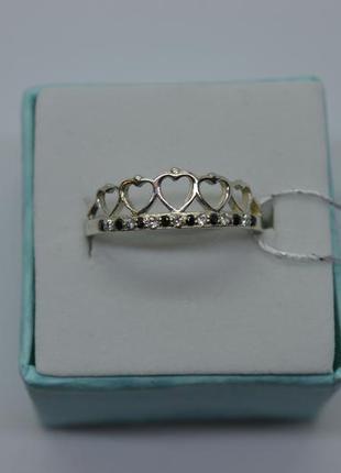 Серебряное кольцо корона, сердечки, черные и белые камни, 18р-р