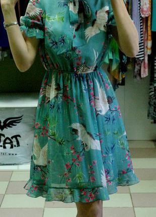 Шифоновое платье светлой мяты с оборкой, люрексом и японским принтом 42-44