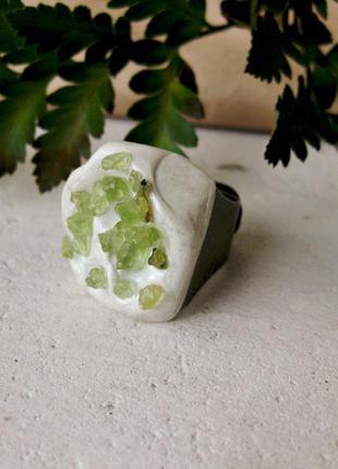 Кольцо с хризолитом ручная работа hand made