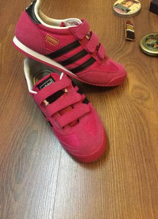 Клевые розовые кроссовки adidas originals 32-33р.