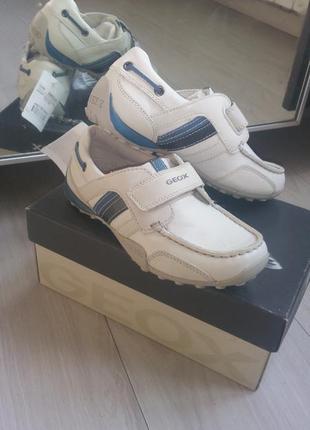 Geox кожаные мокасины р32