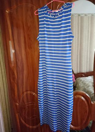 Платье для девочки 12-13лет можно хс