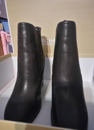 Ботинки женские michael kors.