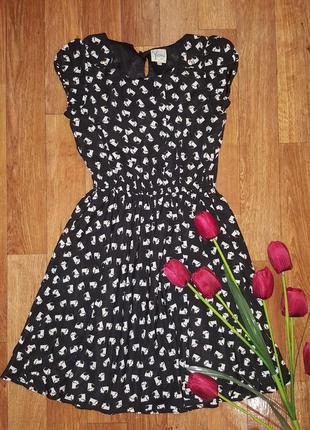Продам летнее платье в собачки на девочку