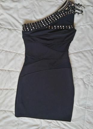 Шикарное платье lipsy limited