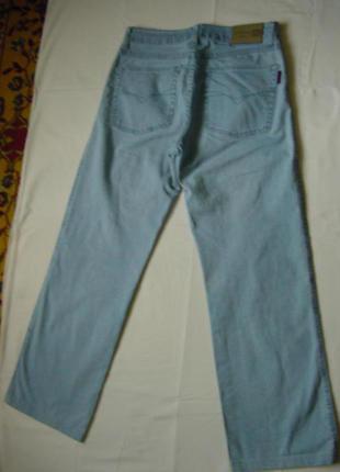 Светлые джинсы стрейчевые