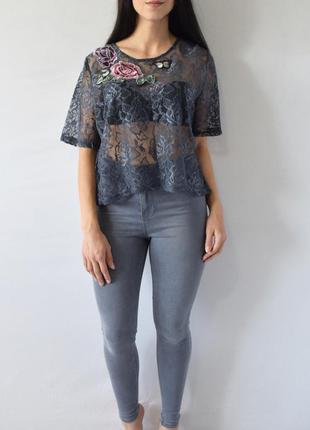Блуза с нашивками new look