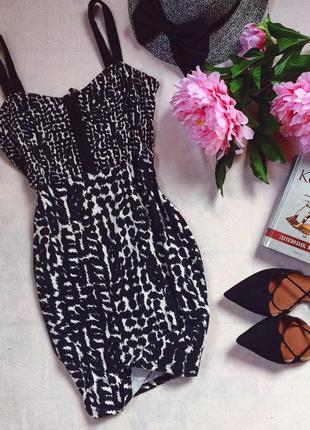 Короткое легкое платье сарафан