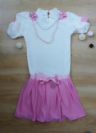 Красивое платье с бусиками
