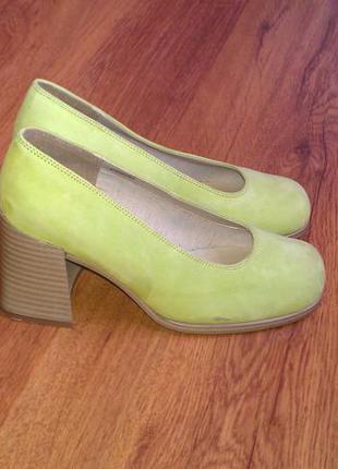 Замшевые туфли  marco tozzi 38р