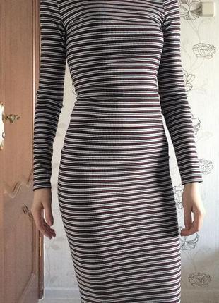Облягаюче плаття