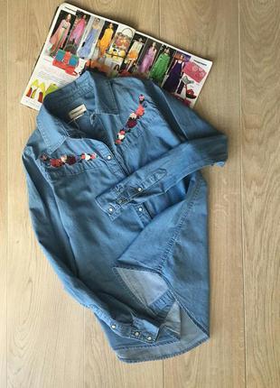 Красивая, легкая рубашечка с вышивкой