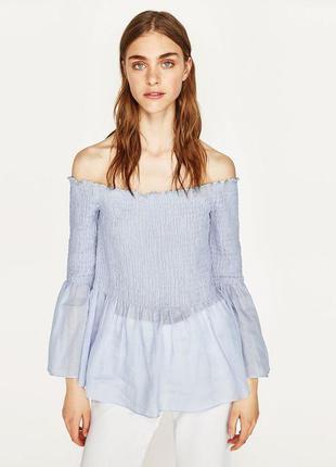 Нежная блуза на плечи от zara , топ с открытыми плечами, рукава  воланы