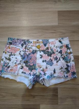 Модные шорты летние с рисунком,есть размеры,в талии