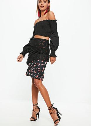 Летняя юбка з цветочным принтом и воланами