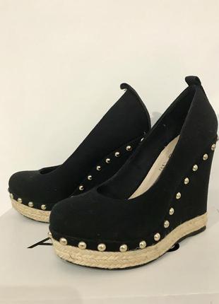 Новые туфли на танкетке aldo