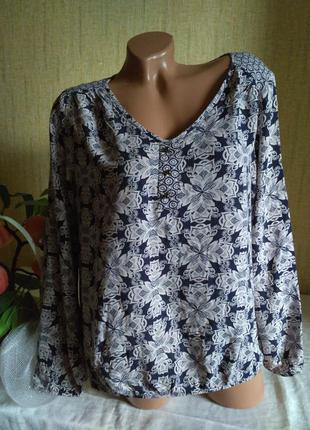 Блуза в цветочный принт 100 % вискоза