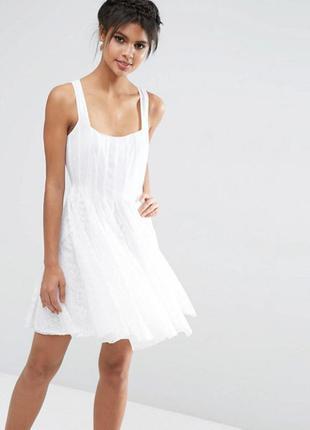 Гарячий розпродаж тільки до 15 вересня !! нежное платье asos