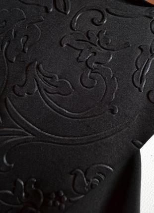 Красивое черное облегающее платье с воланами c размер3 фото