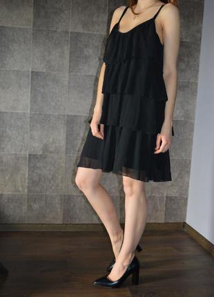 Платье с оборками.