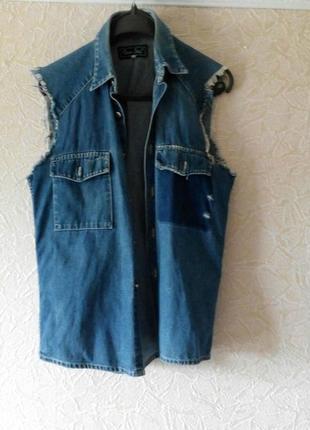 Крутая джинсовая жилетка