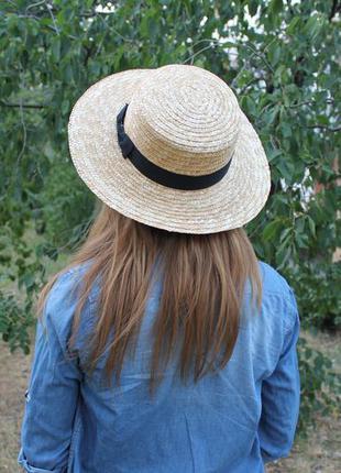 Новая красивая соломенная шляпа канотье