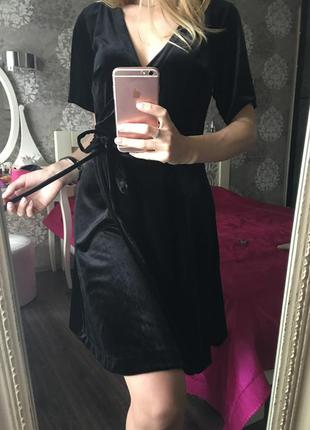 Бархатное платье-халат на запах