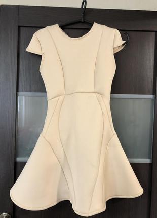 Красивое платье пудра