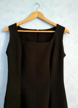 Базовое чёрное платье миди футляр