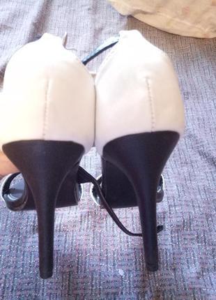 Босоножки черно-белые (каблук 10 см)4 фото