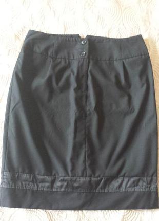 Черная юбка миди с атласной вставкой от h&m