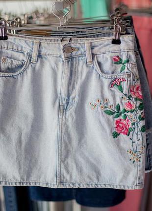 Большая расспродажа!!! супер юбка с вышивкой от bershka